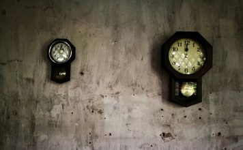 wall clocks with pendulum and chimes