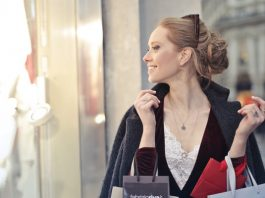 Learn the secrets of savings while shopping with Dealslands UK